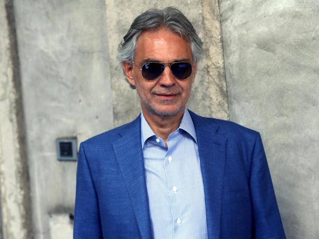 Andrea Bocelli donerà il plasma per curare il Coronavirus
