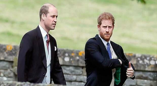 Harry e William a distanza al funerale di Philip